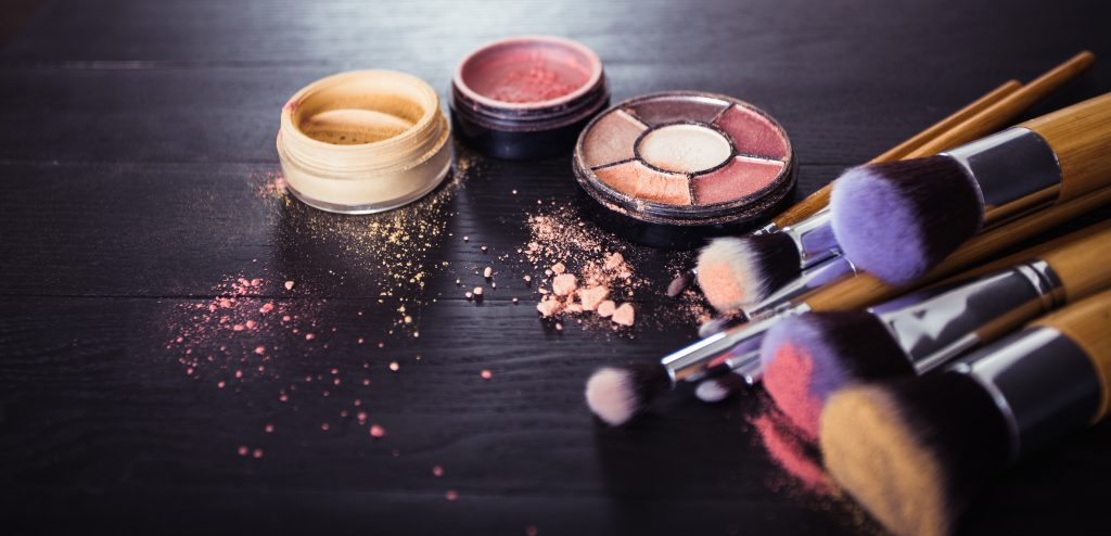 brush makeup slider